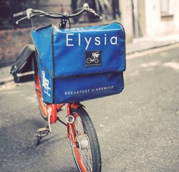 Cargo bike with front pannier