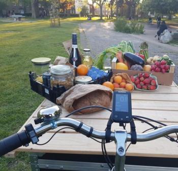 Zirro bike delivering food