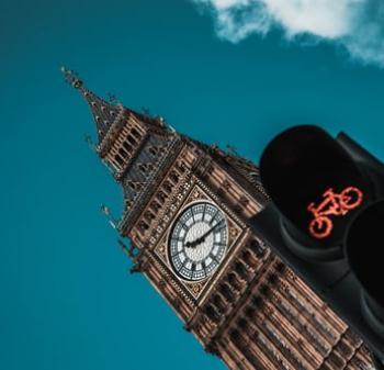 Bike sign infront of Big Ben